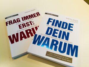 """Foto der beiden Bücher von Simon Sinek zum Thema """"Warum"""""""
